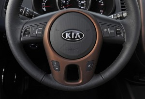 kia-kierownica